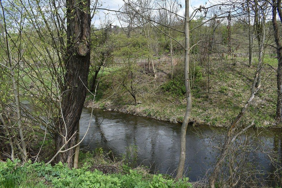 Koryto řeky v Obrnicích.