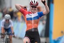 Anna van der Breggenová vyhrála silniční závod na olympijských hrách v Riu.