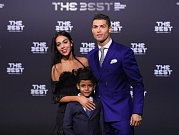 Cristiano Ronaldo vyhrál počtvrté anketu FIFA o nejlepšího fotbalistu roku.