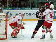 Reprezentační kouč Alois Hadamczik uvedl, že s ohledem na současné vynikající výkony opory moskevského Spartaku zvažuje možnost pozvat Dominika Haška na dubnové České hokejové hry.
