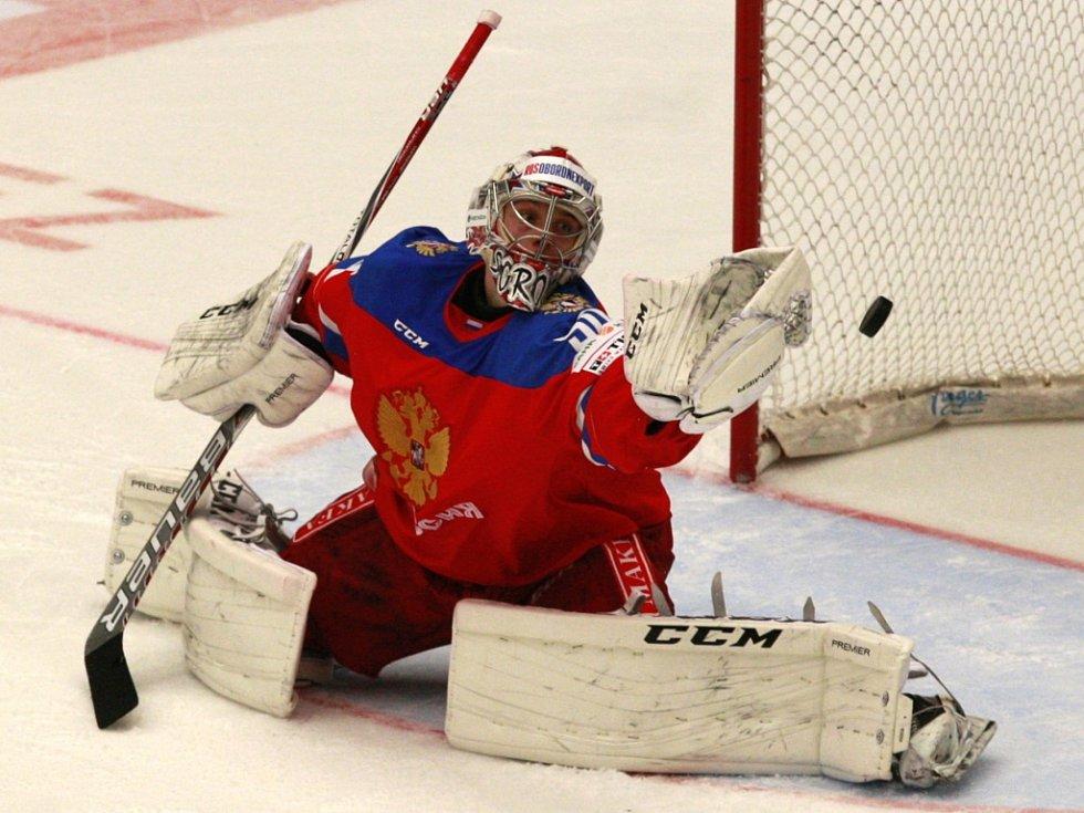 Brankář Ruska Ijla Sorokin.