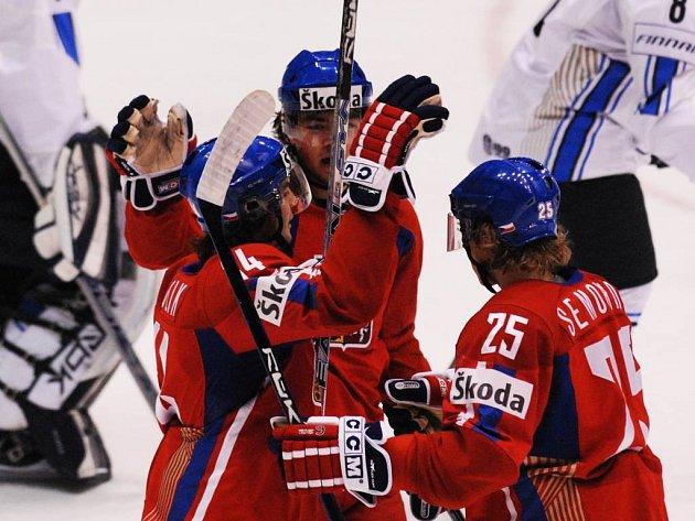 Trochu hořká radost. Čeští hokejisté do 20 let porazili na mistrovství světa v souboji o páté místo Finsko 5:1.