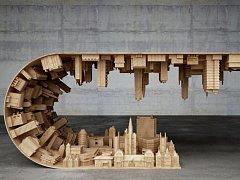 netradiční stůl, ilustrační foto