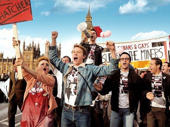 PRIDE. Filmové finále triumfální pochod londýnskými ulicemi.