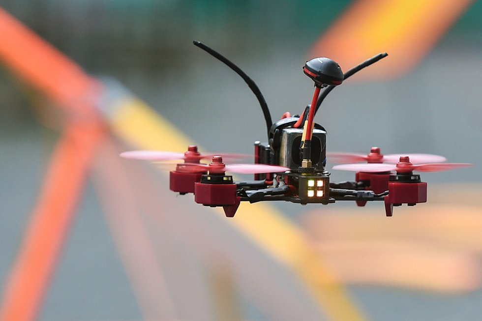 Dron. Ilustrační snímek