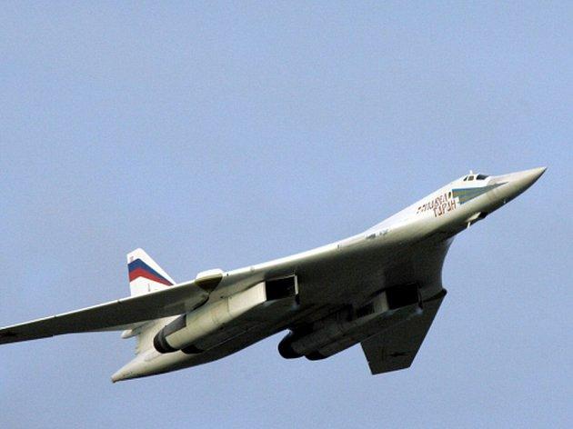V rámci prověrky bojeschopnosti ruského letectva budou podle ruských agentur vyslány na anektovaný Krym strategické bombardéry Tu-22M3, považované za nosiče jaderných zbraní.