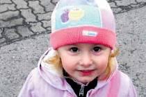 Čtyřletá Kája je dnes na první pohled krásná, zdravá dívka, ještě před třemi lety však kvůli závažnému onemocnění bojovala o život.