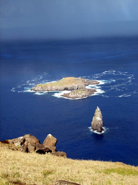 Přilehlý ostrůvek Motto Nui.