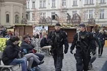 O velikonočních svátcích se do ulic vrátí policisté se samopaly