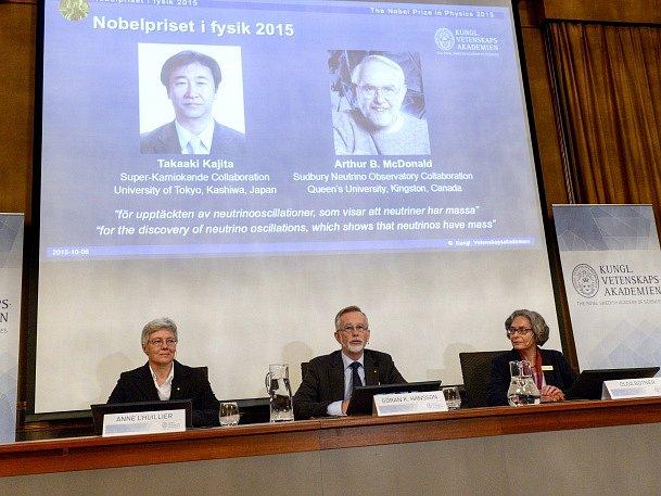 Nobelovu cenu za fyziku získali Japonec Takaaki Kadžita a kanadský vědec Arthur B. McDonald.