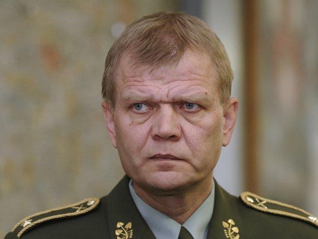 Náčelník generálního štábu Josef Bečvář.