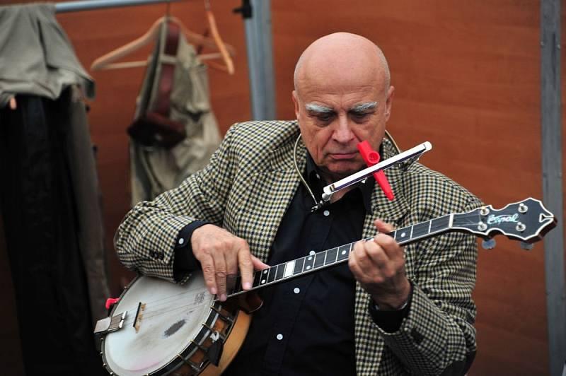 Banjista a zpěvák Ivan Mládek oslaví za rok osmdesátiny.
