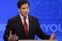Republikánští prezidentští kandidáti se v sobotní televizní debatě pustili do Marca Rubia, jehož naděje na zisk nominace se po pondělních primárkách v Iowě výrazně zvýšily.