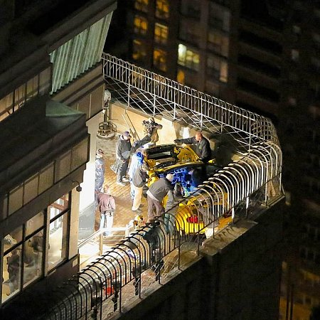 Ford vystavuje nový Mustang 305metrů nad ulicemi Manhattanu.