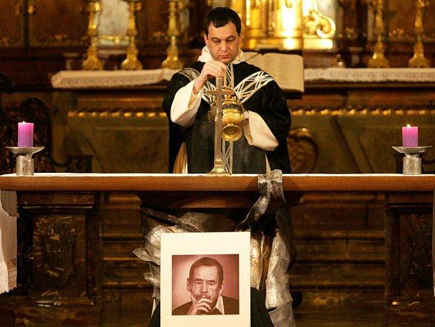 Mše za Václava Havla v kostele svatého Jiljí v Praze v úterý 20. prosince 2011.