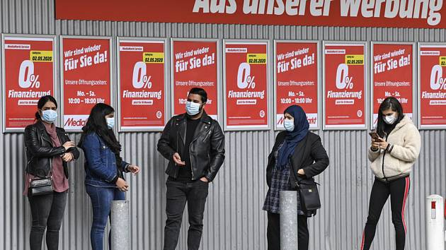 Fronta před obchodem v Essenu