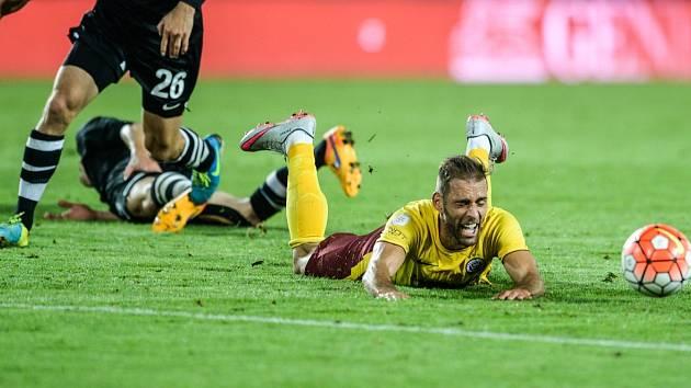 Útočník Marco Paixao v zápase pražské Sparty proti švýcarskému Thunu.