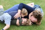 Narozeninové foto prince Williama s dětmi. Fotografii tradičně pořídila vévodkyně Kate.