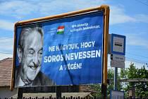 Billboard namířený proti Georgi Sorosovi