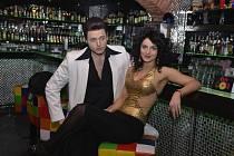 V HLAVNÍCH ROLÍCH. Jan Kříž jako Tony a Markéta Procházková coby Anette.