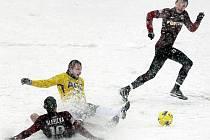 Fotbalisté Sparty a Teplic hráli v téměř nehratelných podmínkách.
