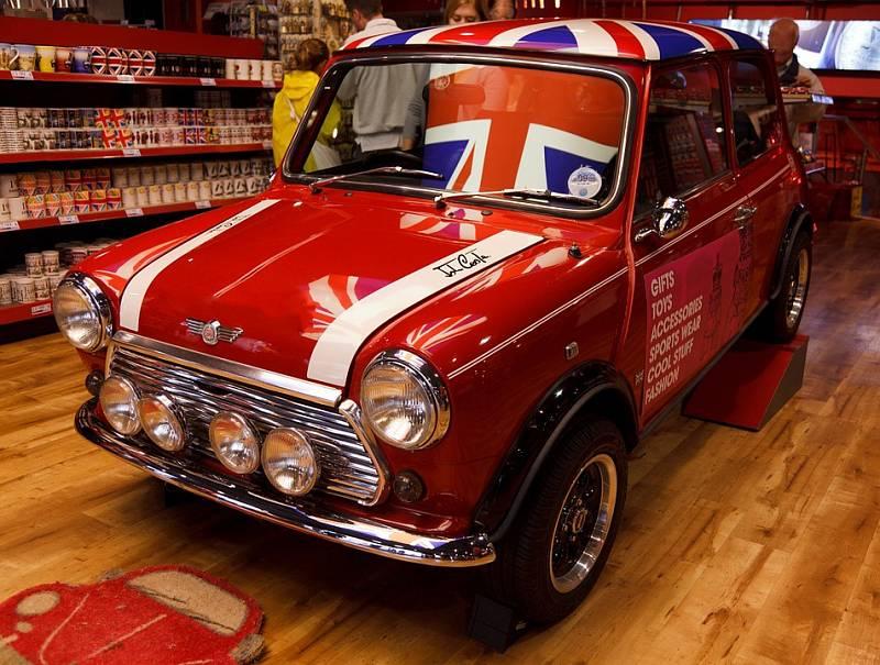 S Velkou Británií jsou neodmyslitelně spojena i vozidla značky Mini