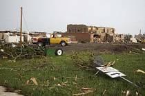 Pondělní tornádo v Nebrasce poničilo několik domů.