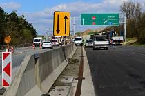Výstavba dálnice D1 na Slovensku