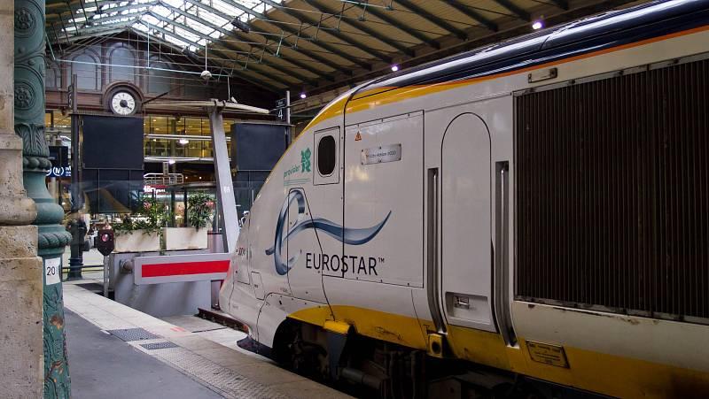 Vlak společnosti Eurostar na pařížském Severním nádraží