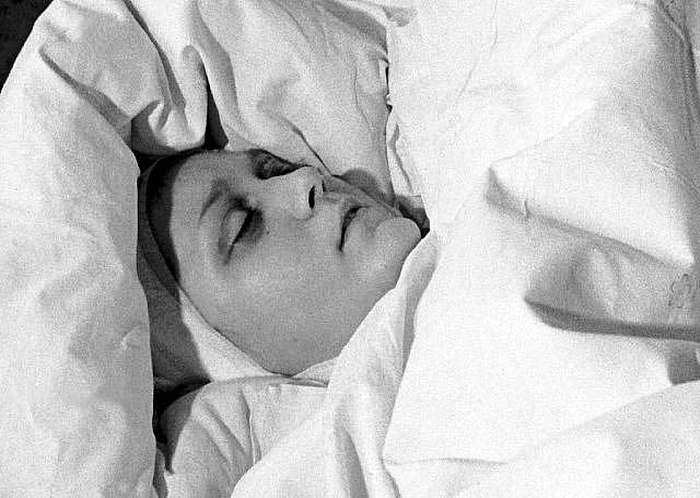 Jugoslávská letuška Vesna Vulovičová zázračně přežila pád letounu.