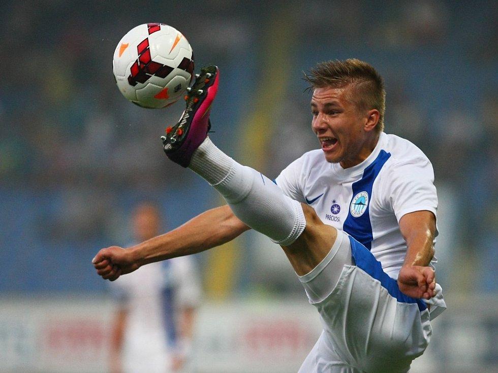 Martin Frýdek z Liberce zpracovává míč proti Curychu.