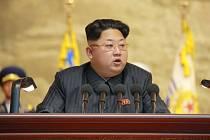 Kim Čong-un za poslední čtyři roky přibral až 40 kilogramů, což by mohlo naznačovat, že severokorejský vůdce trpí zhoršujícími se zdravotními problémy.