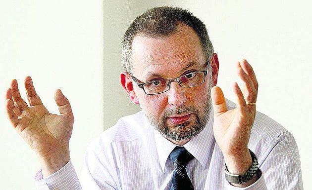 Ministr životního prostředí Ladislav Miko.
