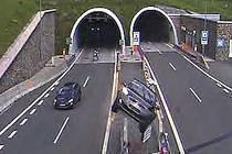 Národná diaľničná spoločnosť zveřejnila sestřih nehod ze slovenských tunelů.