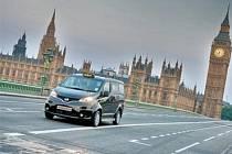 Nissan NV200 jako taxi v Londýně