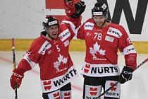 Kanaďané Chay Genoway a Marc-Antoine Pouliot ve finále proti Luganu.