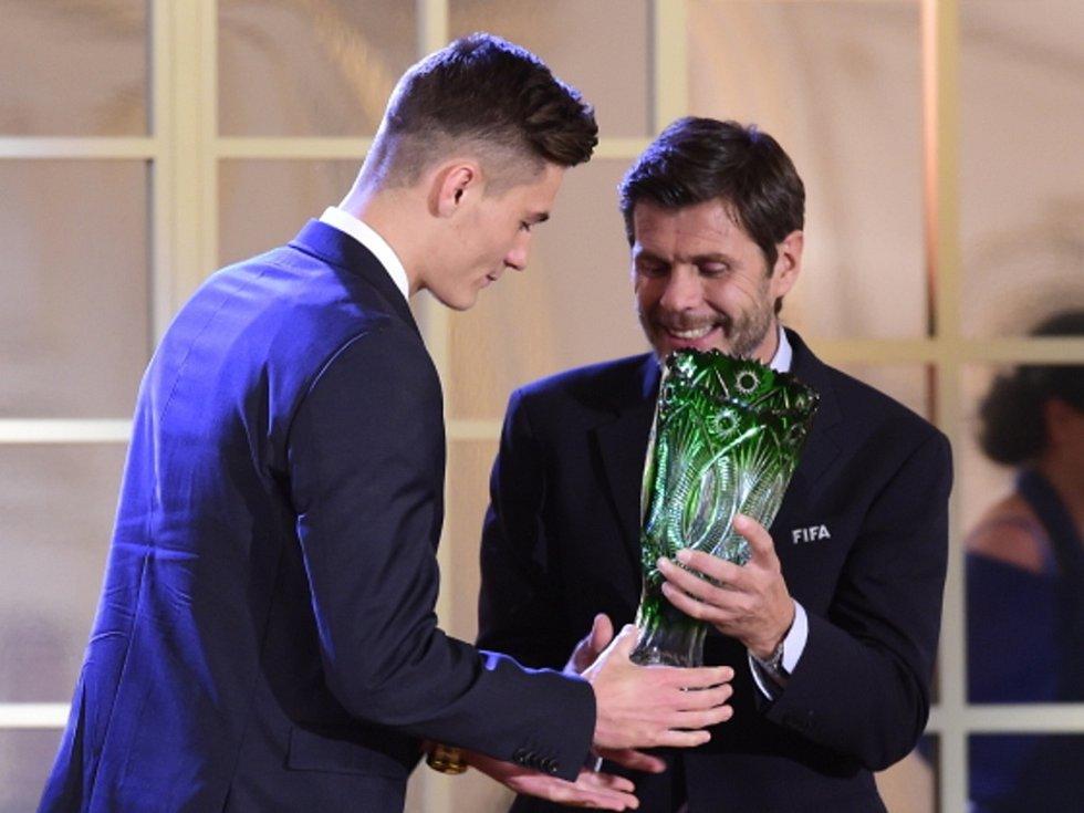 Patrik Schick ze Sampdorie (vlevo) byl vyhlášen Talentem roku.