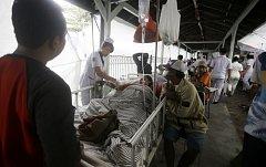 Indonésie řeší následky katastrofálního zemětřesení
