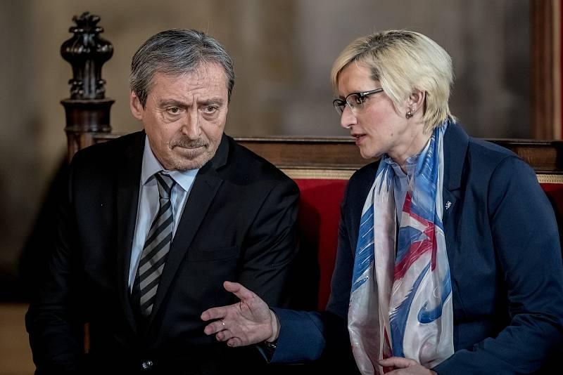 Inaugurace prezidenta Miloše Zemana pro jeho druhé funkční období probíhala 8. března ve Vladislavském sále Pražského hradu. Martin Stropnický, Karla Šlechtová.