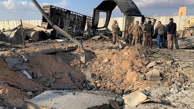 Následky útoku íránských raket na americkou základnu v  Iráku.