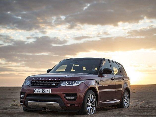 Range Rover Sport stanovil rekord v přejezdu pouště Rub al-Chálí.