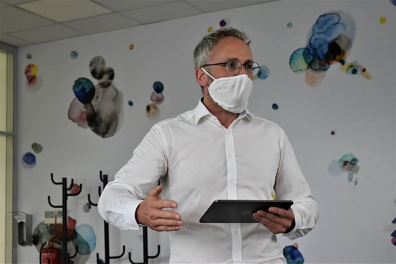 Primář ústecké kliniky anesteziologie, perioperační a intenzivní medicíny Josef Škola
