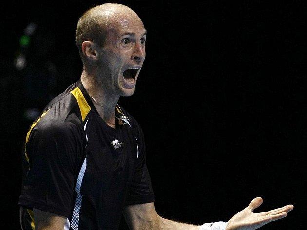 Nikolaj Davyděnko se po vítězství nad Robinem Söderlingem raduje z postupu do semifinále Turnaji mistrů.