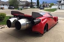 Kanaďan si postavil auto vybavené proudovými motory.