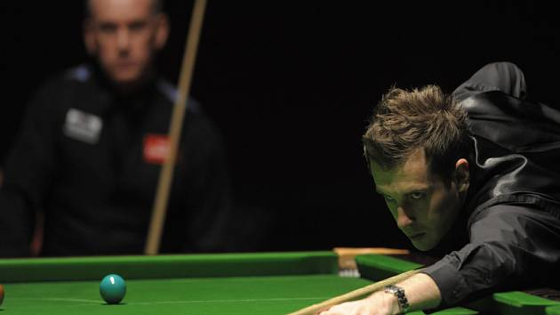Mark Selby (vpravo) a Peter Ebdon na exhibici snookeru Battle of the Kings.