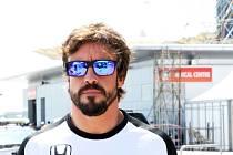 Fernando Alonso prošel závěrečnými lékařskými prohlídkami a po nehodě může startovat ve Velké ceně Malajsie.