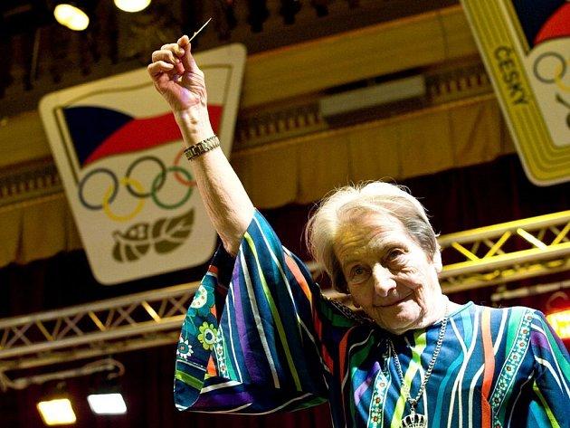 Dana Zátopková při setkání olympioniků.