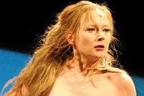 KRÁLOVNA A BABIČKA. V roli Královny Margot se divákům představí Eva Novotná.