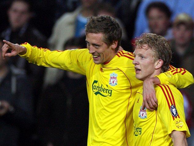 Útočník Portsmouthu Peter Crouch ještě v dresu Liverpoolu.