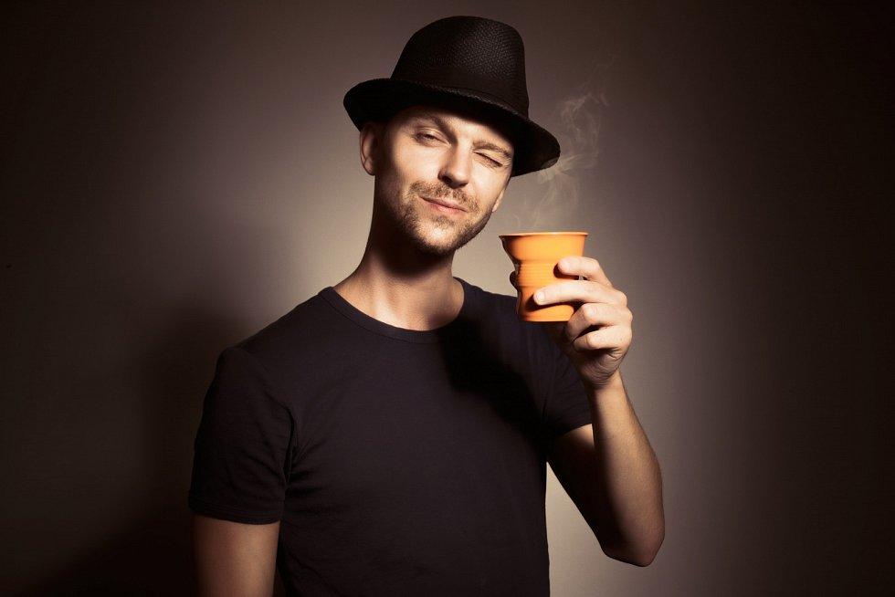 Přesto by kávu měli konzumovat spíše dospělí.